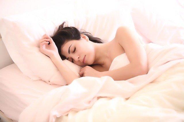Warum kann ich nicht schlafen – Ursachen und Lösung